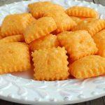 طرز تهیه کراکر پنیر چدار