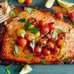 طرز تهیه ماهی با گوجه و آویشن
