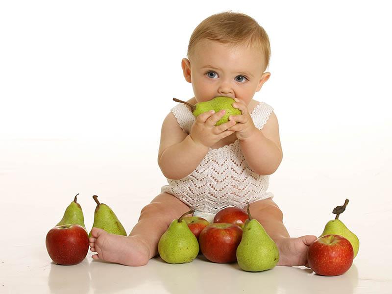 مناسب ترین میوه ها برای نوزادان