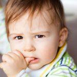 ترک جویدن ناخن در کودکان