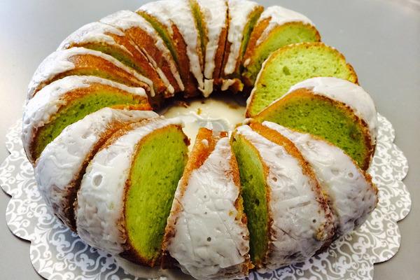 کیک پسته ای